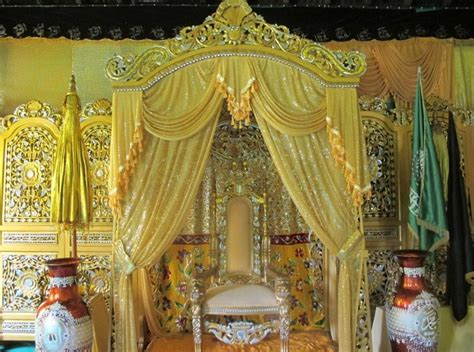 nama keraton istana raja di indonesia negeri pesona ada kilau berlian di keraton ismahayana