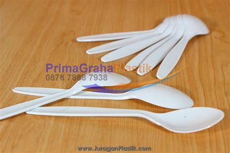 sendok makan plastik putih supra home