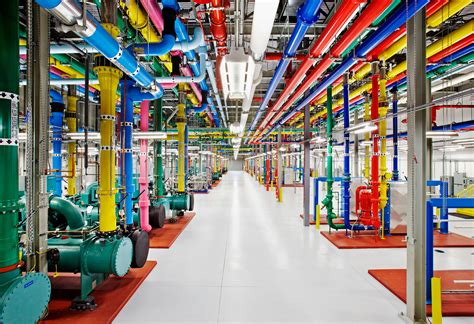 google imagenes factory inside the data center where google stores all its data