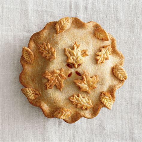 leaf pattern for pie crust fall leaf pie crust diy best wedding blog