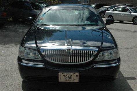 Car L by Find Used 2007 Lincoln Town Car Executive L Sedan 4 Door 4