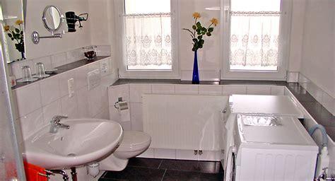 schrank für waschmaschine und trockner übereinander badezimmer idee waschmaschine