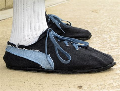 diy running shoes flashback retro style running shoes from tires make