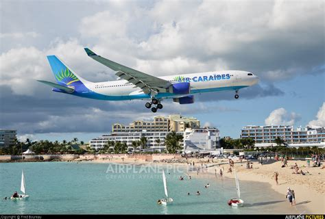 si鑒e air caraibes f ofdf air caraibes airbus a330 200 at sint maarten