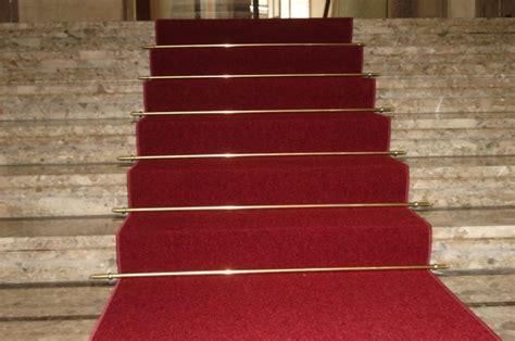 moquette per scale interne moquette su scale sistemi di posa pavimentazioni