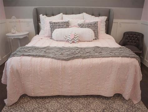 Girls Pink Bedroom Furniture - about pink and grey bedroom for the girls with paw light interalle com