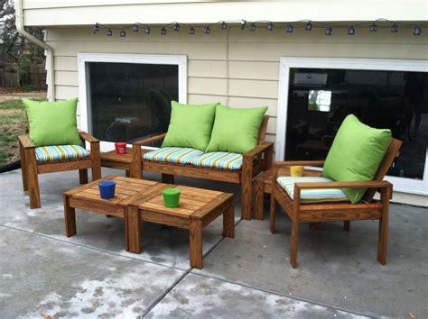 simple outdoor conversation set    home