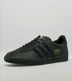 Sepatu Sneakers Adidas Originals Gazelle 4 a real bright one black azure blue trim on these adidas