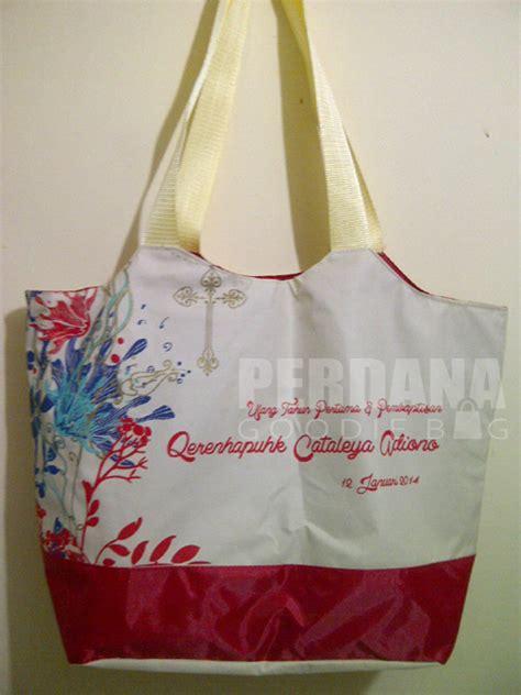 contoh gambar tas souvenir goodiebag tas kanvas tas