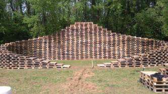 Pallet stage made from 600 pallets back to the woods 3 1001