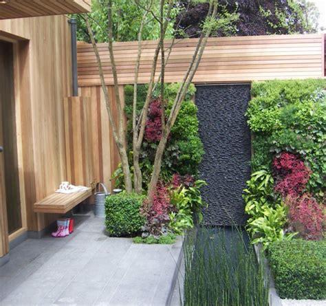 Gestaltung Gartenmauer by Gartenmauern Mit Kletterpflanzen Sorgen Sie F 252 R Ein