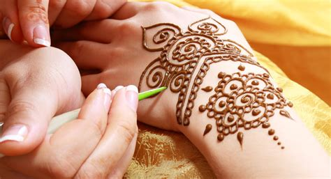 henna tattoo application henna mehndi patterns design courses in birmingham