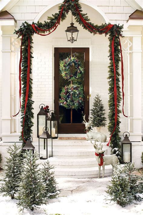 38 Amazing Christmas Garlands For Home D 233 Cor Digsdigs Front Door Garland