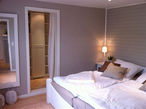schlafzimmer mit begehbarem kleiderschrank 5398 ferienhaus sommerhus schleswig holstein ostsee
