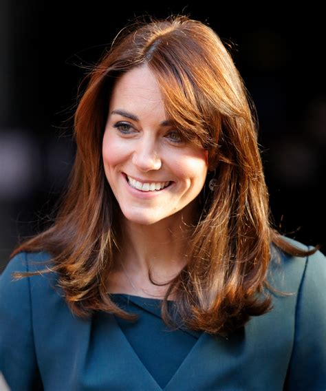 kate middleton looks gorgeous with new hairstyle rides oh look kate middleton s got a chic new haircut
