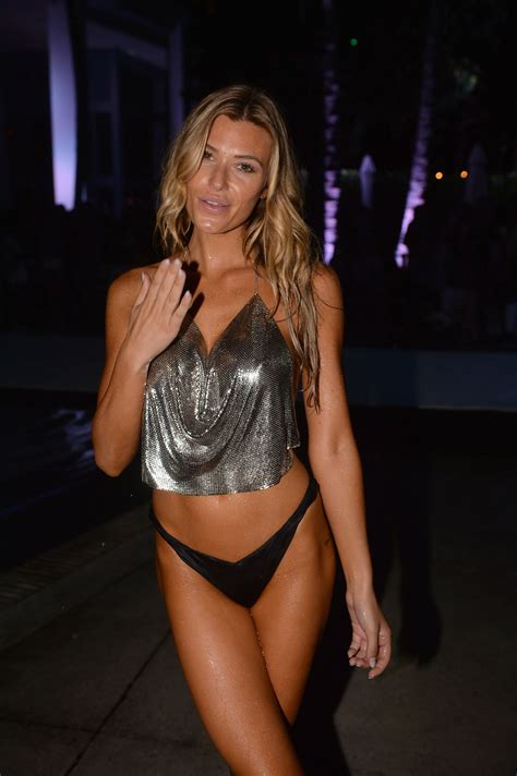 2014 leaked celeb photos samantha hoopes topless the fappening 2014 2018