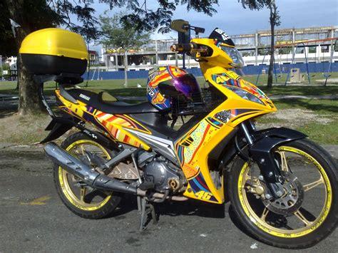 Cover Ekzos Lc apiey baik buruk motosikal yamaha 135 lc