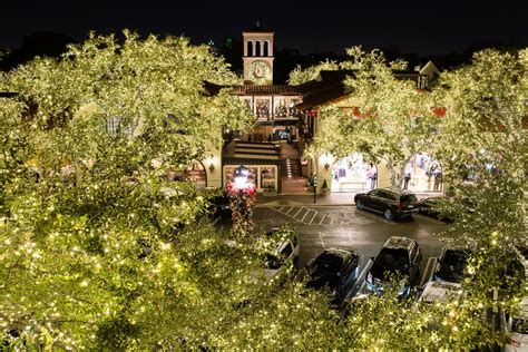 the 2013 christmas tree lighting at highland park village