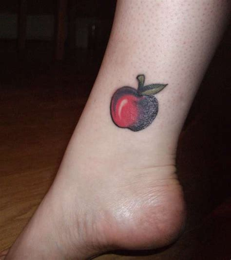 apple tattoosphoto
