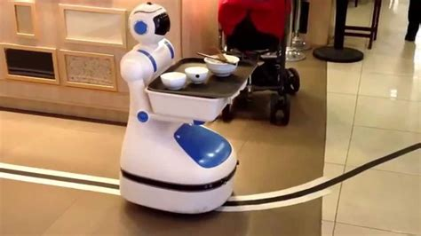 robot helper in the restaurant