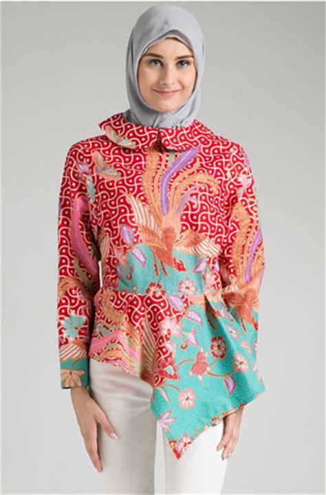 Tunik Atasan Wanita Blouse Etnic Muslimah Motif Batik A070 til kekinian dengan model baju batik muslim kombinasi