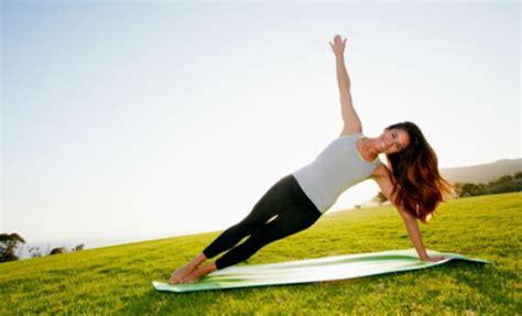 imagenes de posiciones de yoga faciles 7 posturas de yoga que no debes intentar si eres