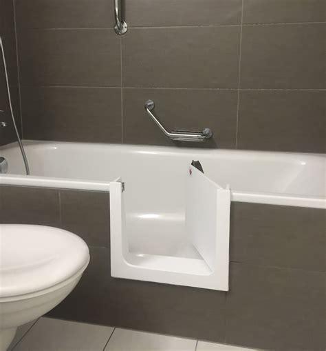 dans baignoire baignoire avec porte baignoire senior adapt 233 e pour