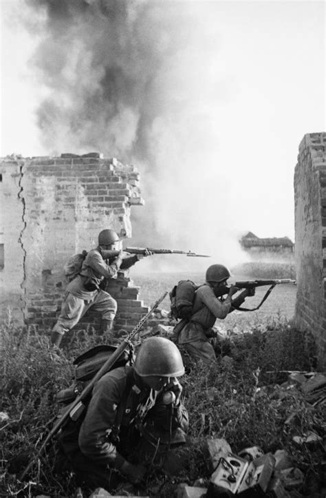 Russian Infantry firing back at the Germans.... | netty 24