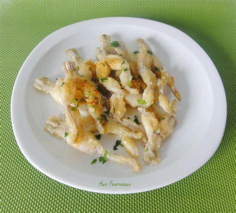cuisiner cuisses de grenouilles surgel馥s cuisses de grenouille saut 233 es 224 l ail aux fourneaux