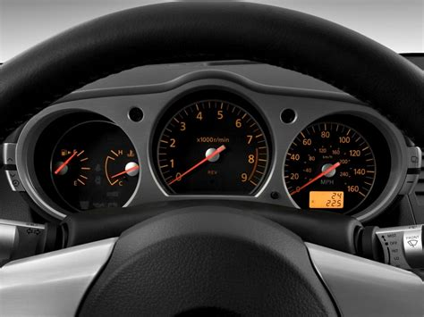 download car manuals 2008 nissan 350z instrument cluster 2008 nissan 350z pictures photos gallery green car reports