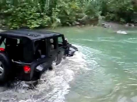 jeep water jeep wrangler river crossing