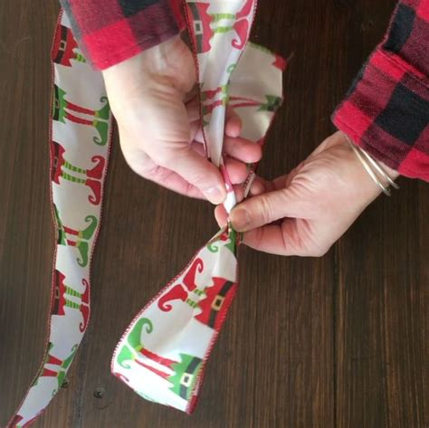 how to tie a christmas bow with 1 sided ribbon hometalk