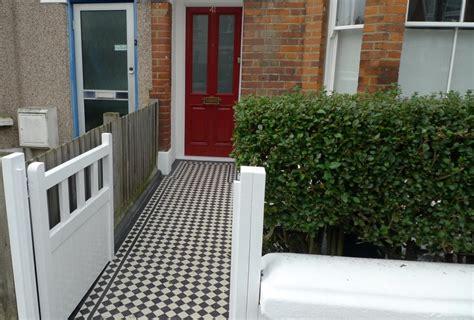 white wooden gate black and white white wooden gate balham clapham battersea