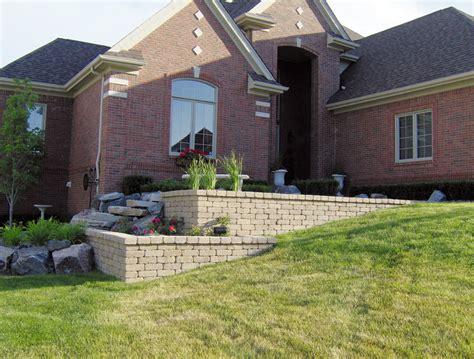 landscaping brick retaining wall