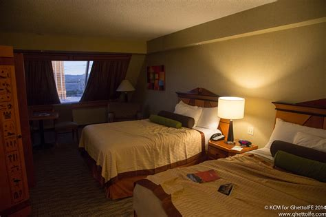 vegas to my room viva las bacon the luxor hotel and casino economy class beyond