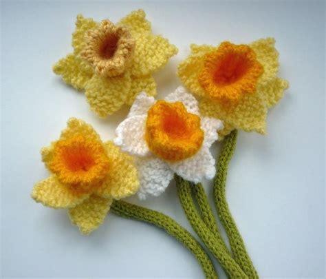 pattern crochet daffodil daffodils pattern crochet flowers leaves pinterest