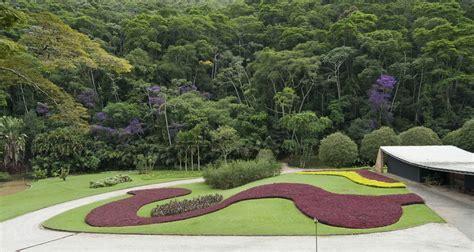 Modern Low Slung Residence roberto burle marx a master of much more than just