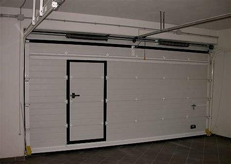 porta sezionale prezzo portoni basculanti blindati per garages con porta pedonale