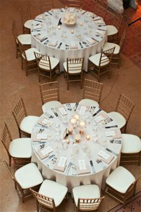 Round Table Geary 1000 Images About Centerpiece Ideas On Pinterest