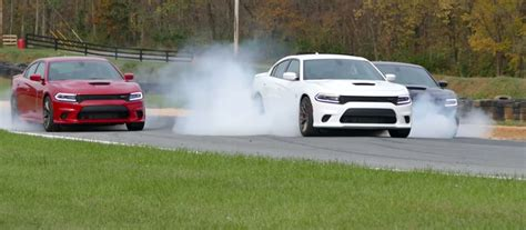 charger hellcat burnout ultimate burnout dodge charger srt hellcat celebrates