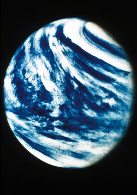 what is the color of venus planet venus real color pics about space