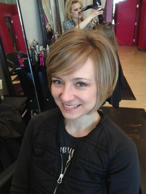 how to grow a stacked hairstyle out growing out a stacked bob short hair pinterest bobs