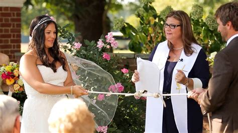 Wedding Officiant by Choosing Your Wedding Officiant 2014 Wedding Tips