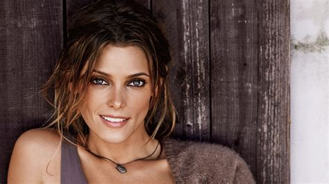 ashley greene wallpapers pictures images