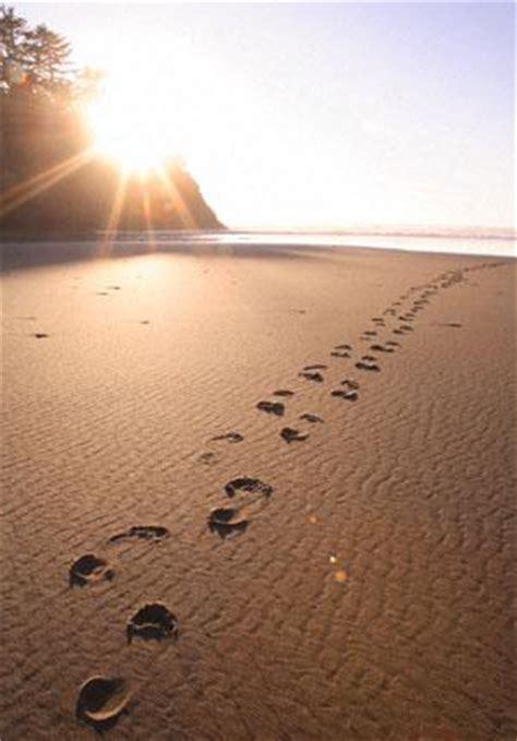 imagenes de dios huellas en la arena fotos de huellas en la arena de la playa