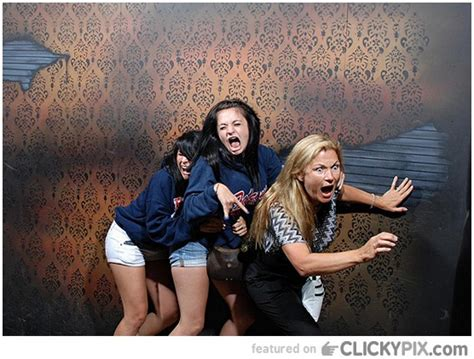 funny haunted house pictures funny haunted house photos1019 clicky pix