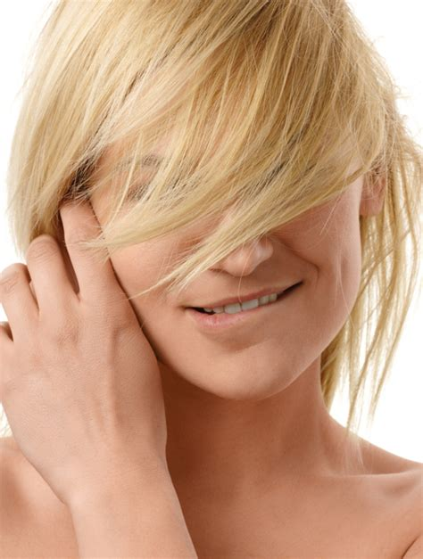 find the perfect bangs for your face shape instyle com how to find the best bangs for your face shape beauty hacks