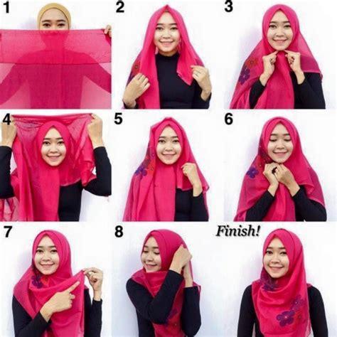 memakai hijab pesta simple segi empat modern terkini