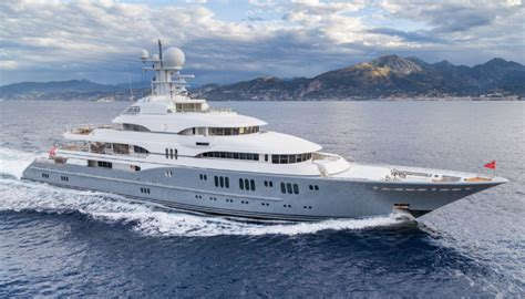 yacht tv show super yachts draw the super rich to the fort lauderdale