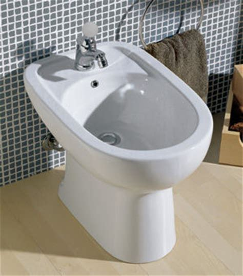 Utilité Bidet by How To Use A Bidet And Notes
